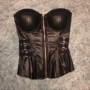 Black leather corset ♠️